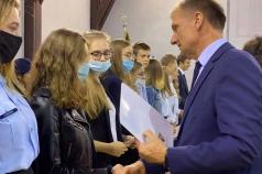 gratulacje-dla-stypendystow-od-wicekuratora-oswiaty
